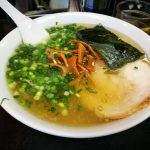 中華そば髙はしとこぼれそうなスープと